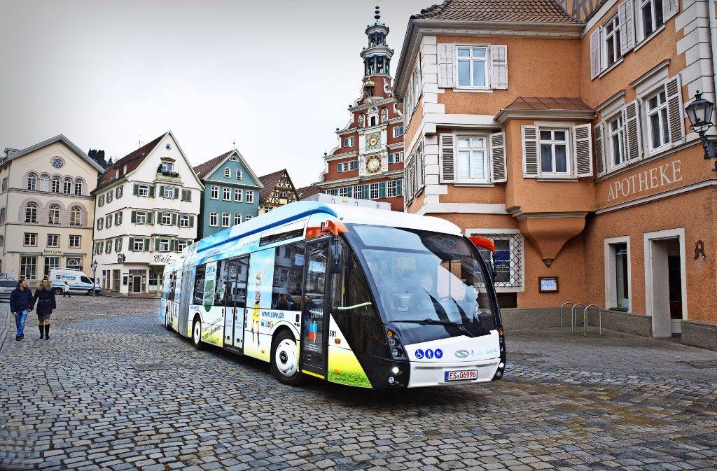 Insgesamt 15 Elektro-Hybridbusse will die  Stadt bis zum Ende des Jahres 2022 zusätzlich kaufen. . Foto: Horst Rudel/Archiv