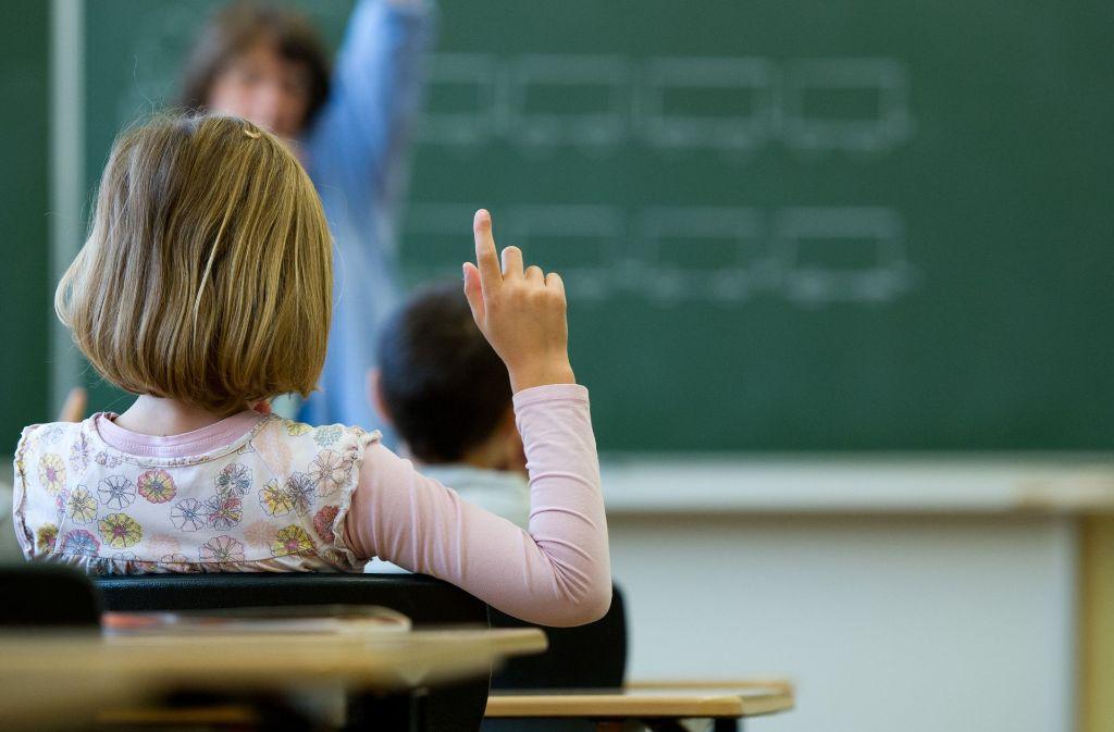 Schulen im Südwesten haben etwa 700 Lehrerstellen weniger zur Verfügung. Foto: dpa