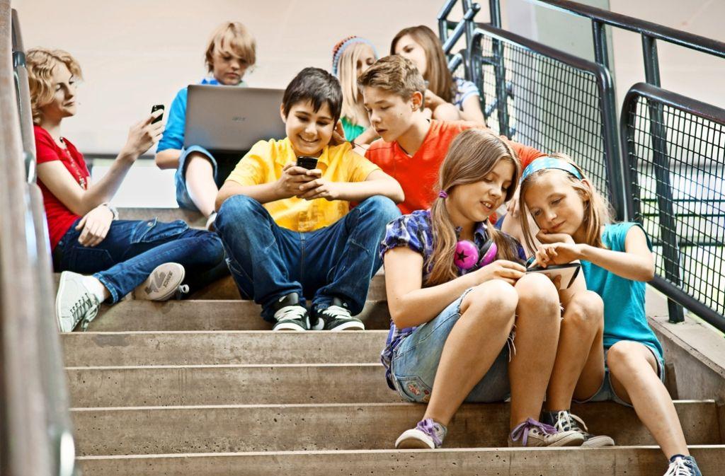 In den Pausen nutzen die Schüler Smartphones und Tablets Foto: