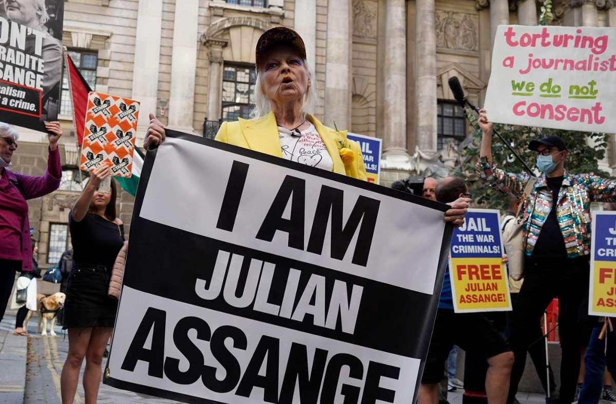 Vivienne Westwood protestiert für die Freilassung von Julian Assange. Foto: AFP/NIKLAS HALLEN