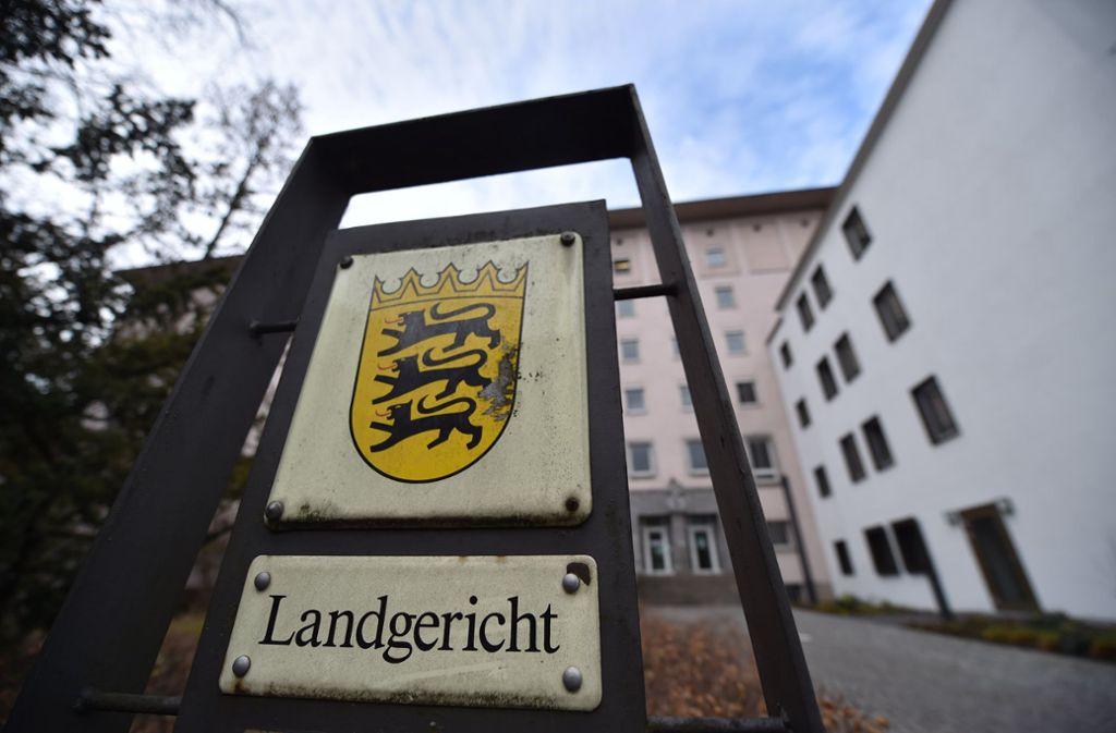 Am Heilbronner Landgericht war am Mittwoch Prozessauftakt – unter starken Sicherheitsvorkehrungen und großem Polizeiaufgebot. Foto: dpa