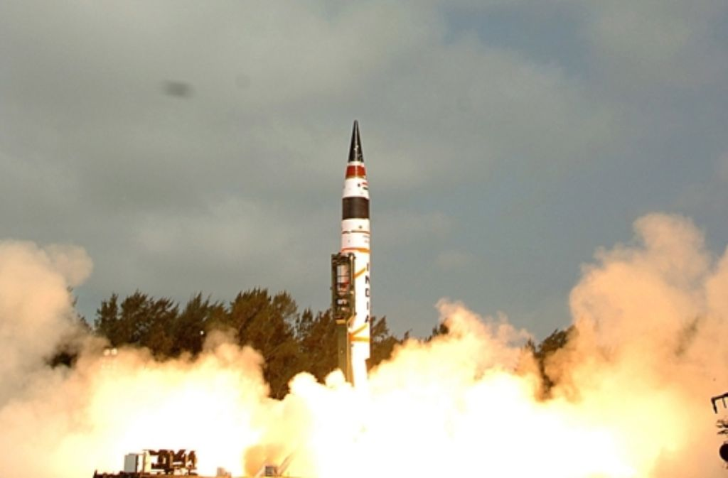 Die Trägerrakete Agni V, der zu Metall gewordene Stolz Indiens Foto: dapd