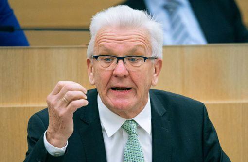 """Kretschmann beklagt """"ernste Versäumnisse"""" bei Selbsttests im Bund"""