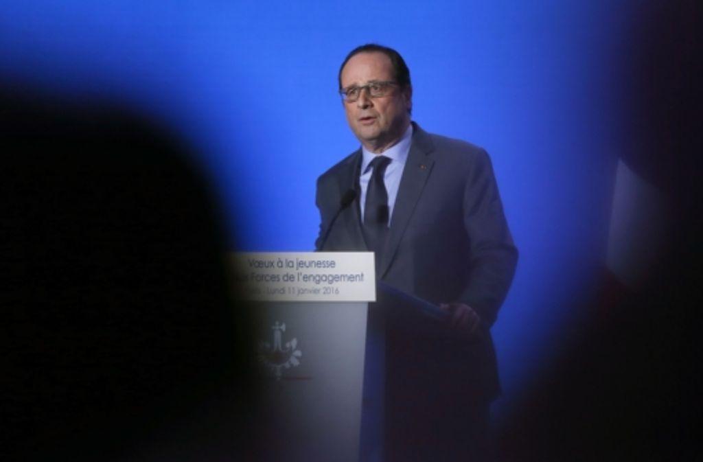 Die Präsidentschaftswahlen in Frankreich werfen ihre Schatten voraus: Mit schnell wirksamen Reformen will Präsident Hollande seine schlechte Bilanz verbessern. Foto: AFP