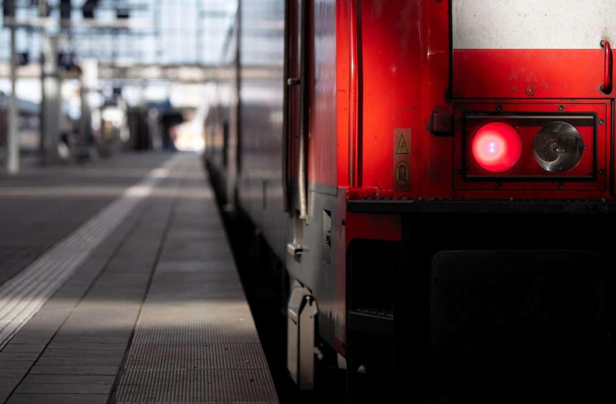 Die Deutsche Bahn erwartet zum Jahresende ein Minus von bis zu 3, 5 Milliarden Euro. Foto: dpa/Sven Hoppe