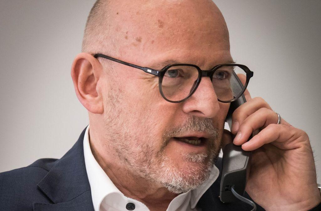 Um Antworten zum Thema Fahrverbot nicht verlegen: Verkehrsminister Winfried Hermann. Foto: Lichtgut/Achim Zweygarth