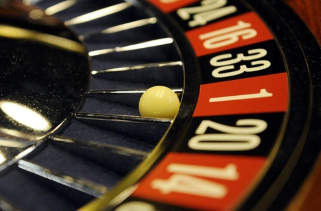 Experten beraten am 29. März, wie man dem Glücksspiel entgegen wirken kann. Foto: dapd