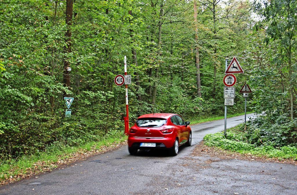 Seit 1963 darf der Vicinalweg zu bestimmten Zeiten von Autos genutzt werden. Dies könnte sich  im Laufe des Jahres ändern, eine Sperrung für den Kfz-Verkehr scheint in Sicht. Foto: Archiv  Braun
