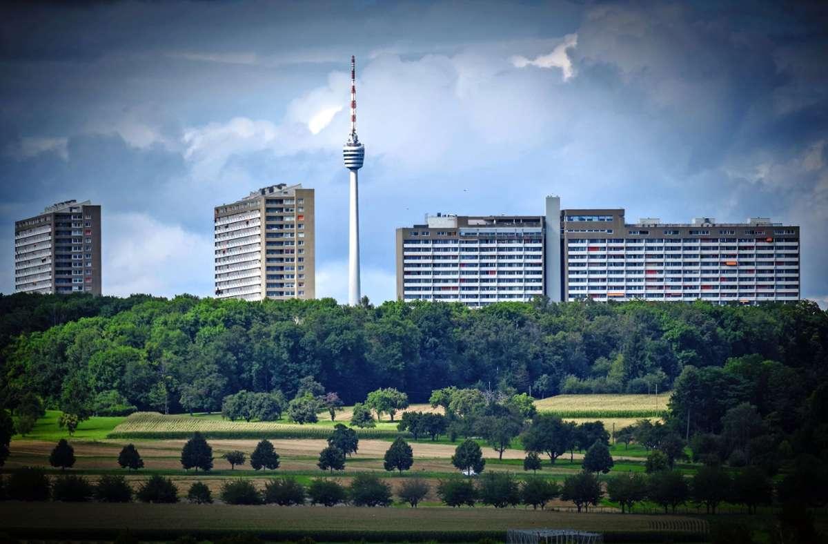"""Der Asemwald, auch genannt """"vertikales Quartier"""", ist der bevölkerungsälteste Stadtteil Stuttgarts. Foto: Lichtgut/Achim Zweygarth"""