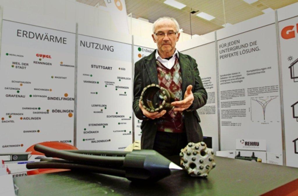 Der Firmenchef Erwin Gungl führte Anfang des Jahres 2014  auf einer Energiemesse in Sindelfingen noch seine Bohrgeräte vor. Foto: factum/Archiv