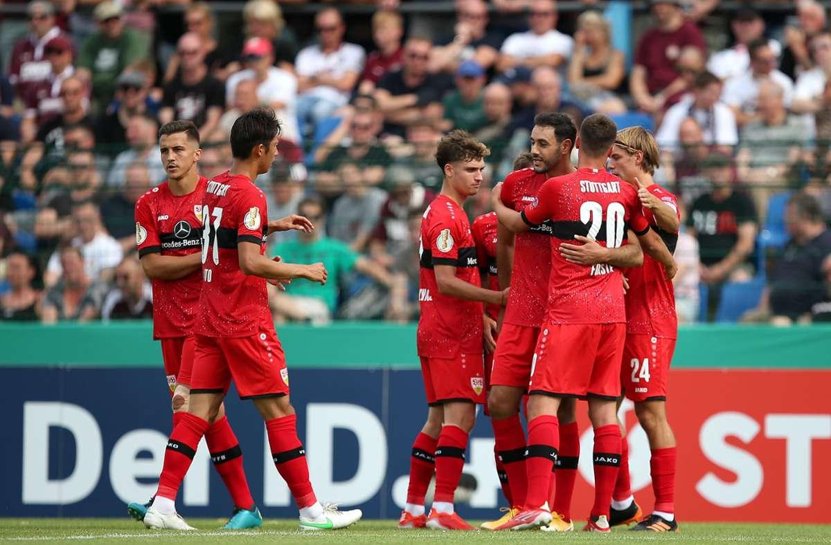 Torjubel bei den Roten nach dem ersten Treffer. Foto: Pressefoto Baumann/Cathrin Mueller