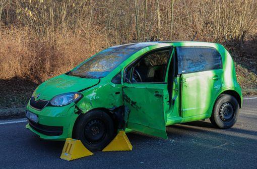 29-jährige Autofahrerin kollidiert mit Lkw