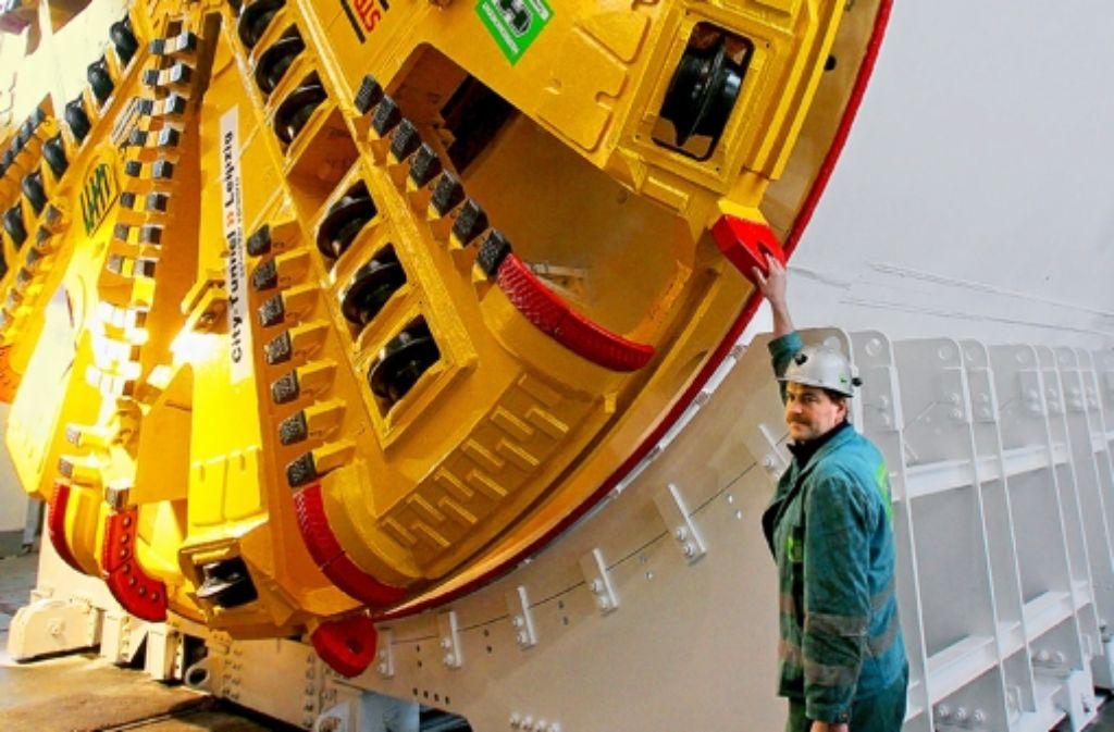 Mit solch einer Vortriebsmaschine soll der Fildertunnel gebohrt werden. Foto: dpa