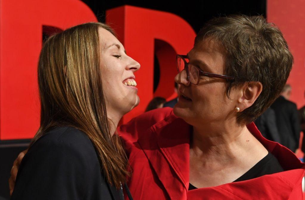 Die neue SPD-Landeschefin Leni Breymaier (r.) konnt ihre Favoritin Luisa Boos als neue Generalsekretärin durchsetzen. Foto: dpa