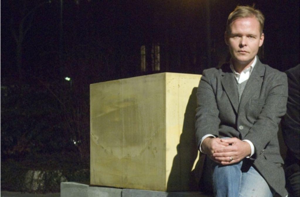 Christian Kracht – kein Klotz am Bein der Literatur. Foto: Matthias Luedecke