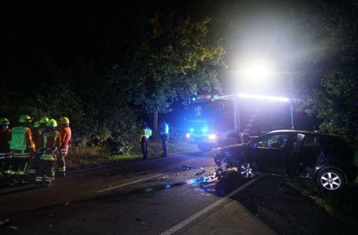 Motorradfahrer kommt in Gegenverkehr und stirbt bei Unfall