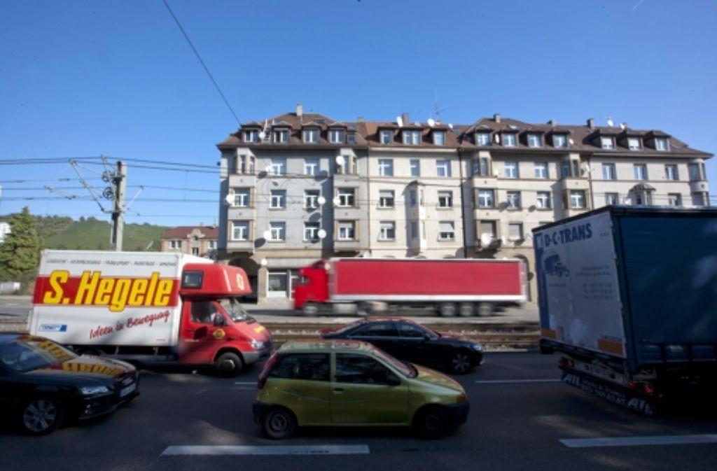 Für die Bewohner der Parkstraße wird die Luft durch den Tunnelbau noch schlechter. Foto: Steinert
