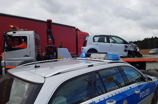 71-Jährige will helfen und wird von Auto erfasst