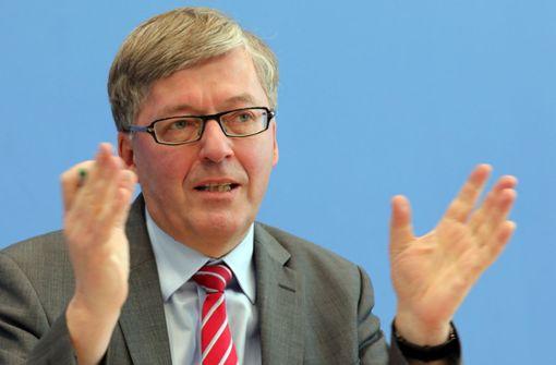 """Wehrbeauftragter nennt Bundeswehr """"Bürokratiemonster"""""""
