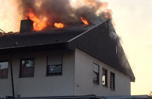 Dachstuhl stand lichterloh in Flammen