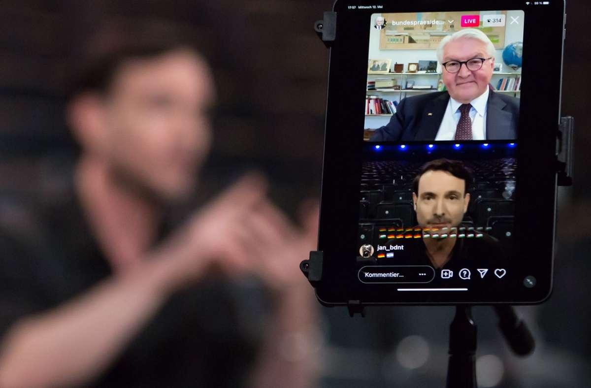 Der Stuttgarter Choreograf und Compagnie-Chef Eric Gauthier  saß im Theaterhaus, während er digital mit  Bundespräsident Frank-Walter Steinmeier zur Lage der Kultur sprach Foto: Jeanette Bak