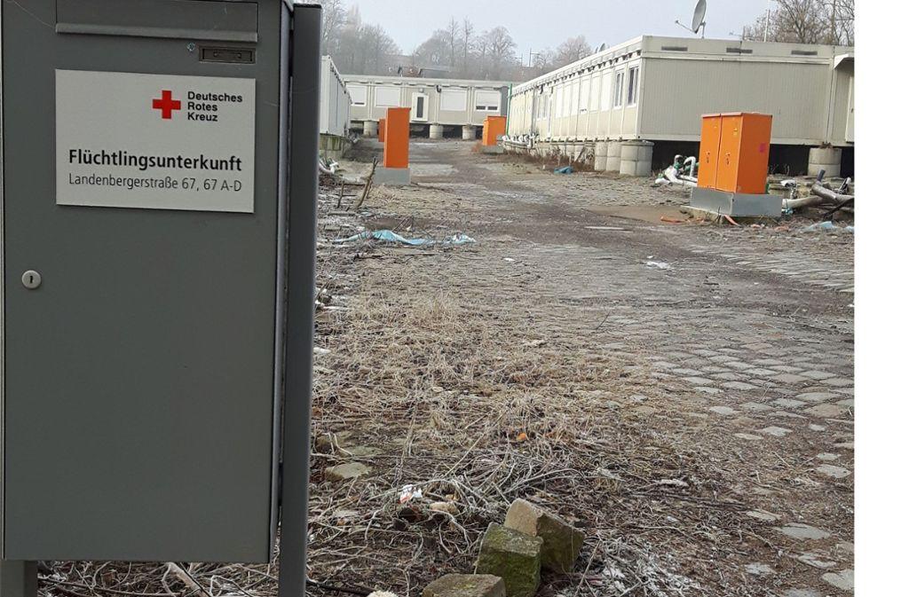 Das Flüchtlingsdorf an der roten Wand ist geräumt. nur ein Briefkasten erinnert noch an die Bewohner. Foto: Eva Funke
