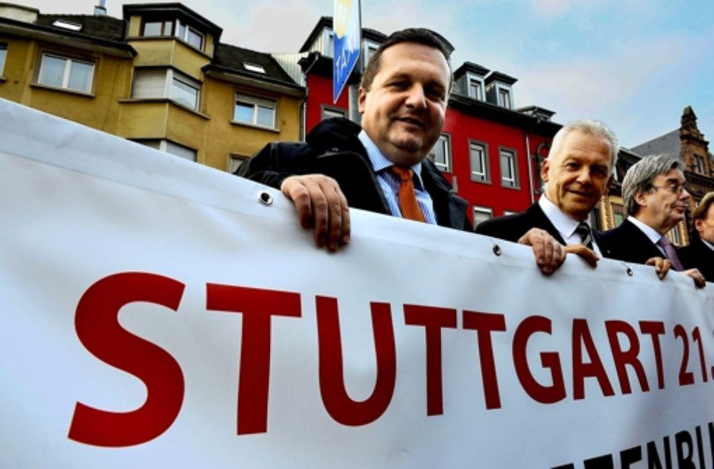 Seite an Seite für Stuttgart 21: Stefan Mappus (links), Bahnchef Rüdiger Grube Foto: dpa