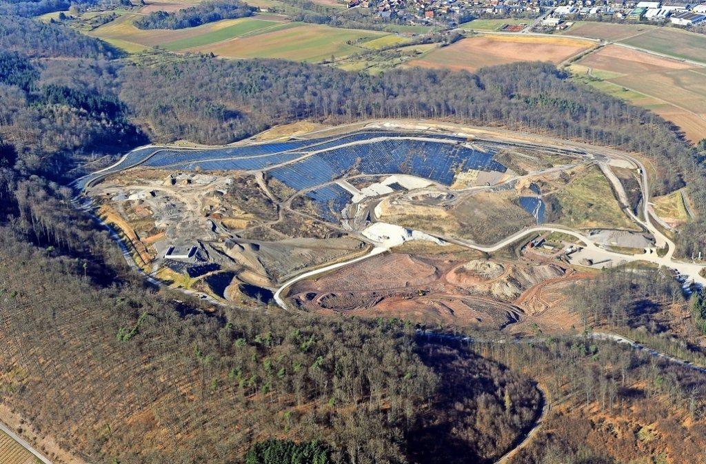 Auch auf der Deponie Burghof in Vaihingen/Enz soll radioaktiver Bauschutt vom Kernkraftwerk Neckarwestheim abgelagert werden. Foto: Kuhnle