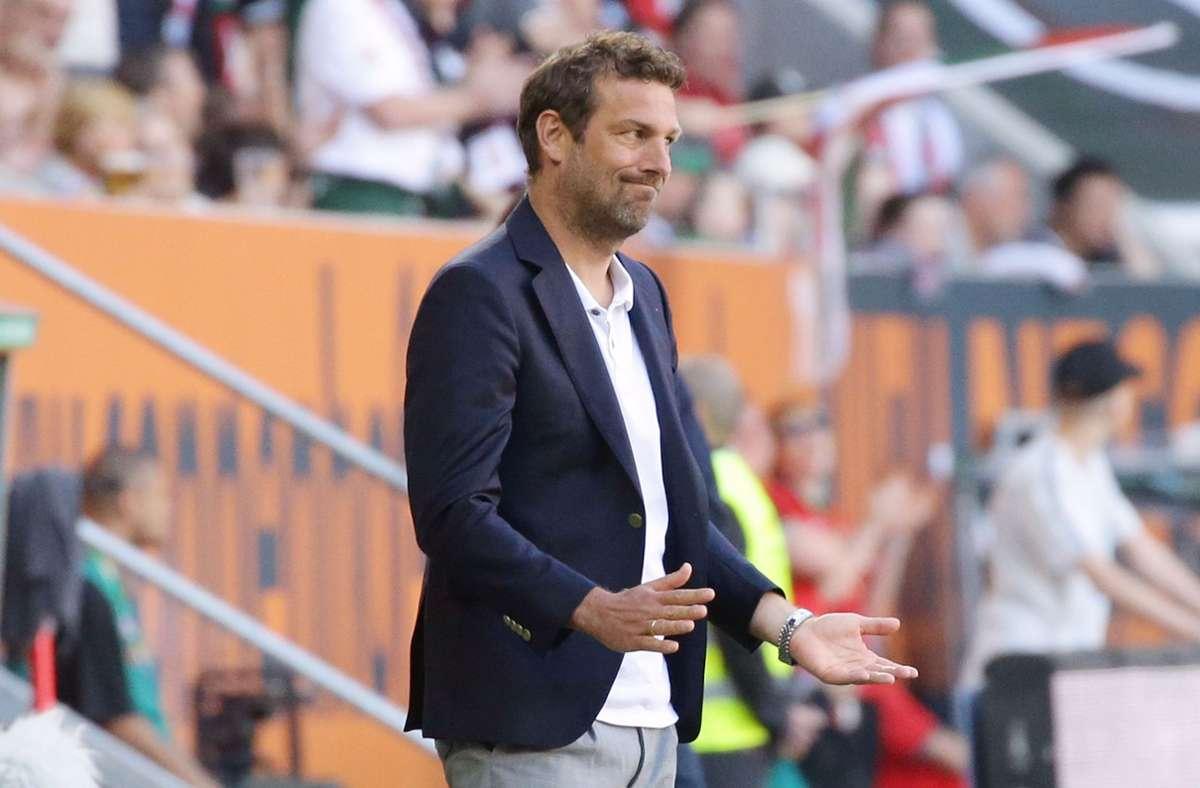 Markus Weinzierl (hier beim 0:6 anno 2019 in Augsburg, das sein Aus beim VfB bedeutete)  ist zurück in der Bundesliga – und was machen die anderen Stuttgarter Ex-Trainer mittlerweile? Foto: Baumann