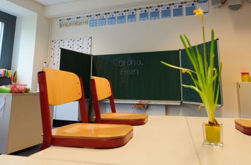 Baden-Württemberg verschiebt Abschlussprüfungen an Schulen