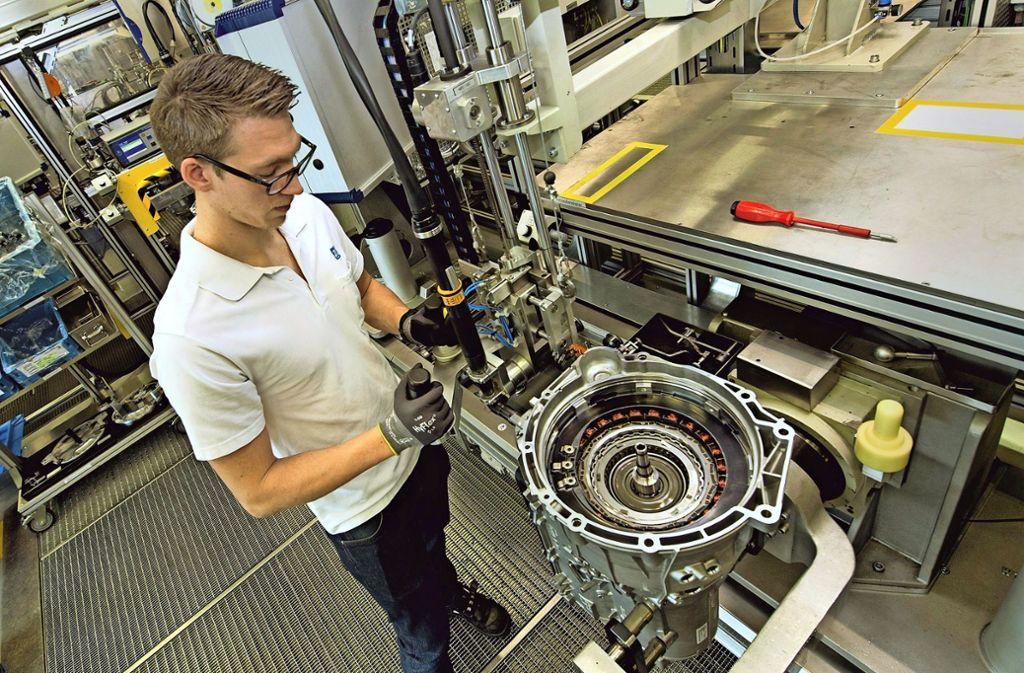 Auch die Beschäftigten des Getriebeherstellers  ZF in Friedrichshafen werden aller Wahrscheinlichkeit nach wieder eine Prämie bekommen. Foto: ZF
