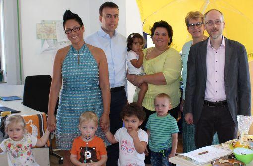 Bundestagskandidaten besuchen Verein der Tageseltern