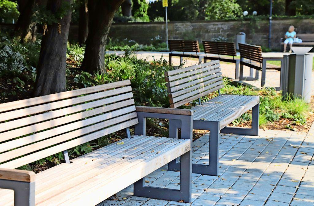 Die neuen Bänke für den Schwabenlandhallen-Park  entsprechen dem städtischen Konzept.Foto: Patricia Sigerist Foto:
