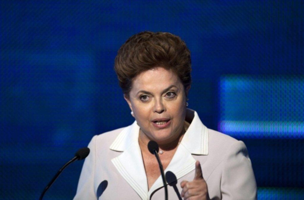 Brasiliens Präsidentin Dilma Rousseff steht unter dem Druck der Massenproteste. Foto: dpa