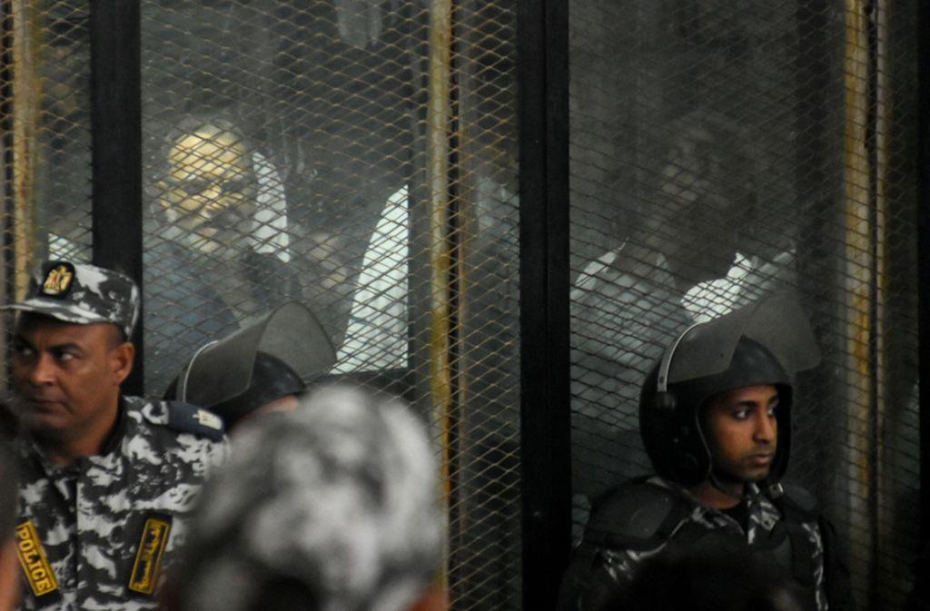 Richter haben in Kairo 75 Islamisten in einem Massenprozess zum Tode verurteilt. Foto: dpa