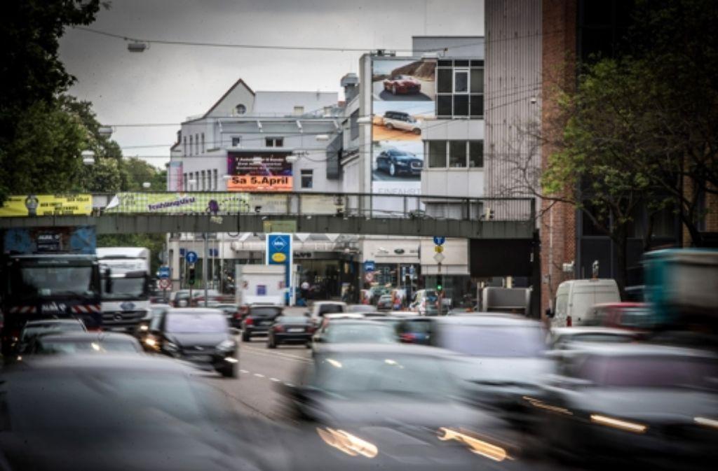 Die Feinstaubbelastung am Neckartor in Stuttgart ist besonders hoch. Foto: Achim Zweygarth