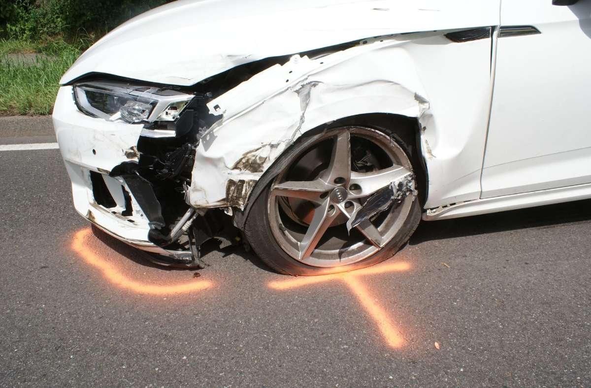 Verletzt wird bei dem Unfall niemand, doch die Autos waren nicht mehr fahrbereit. Foto: SDMG/Dettenmeyer