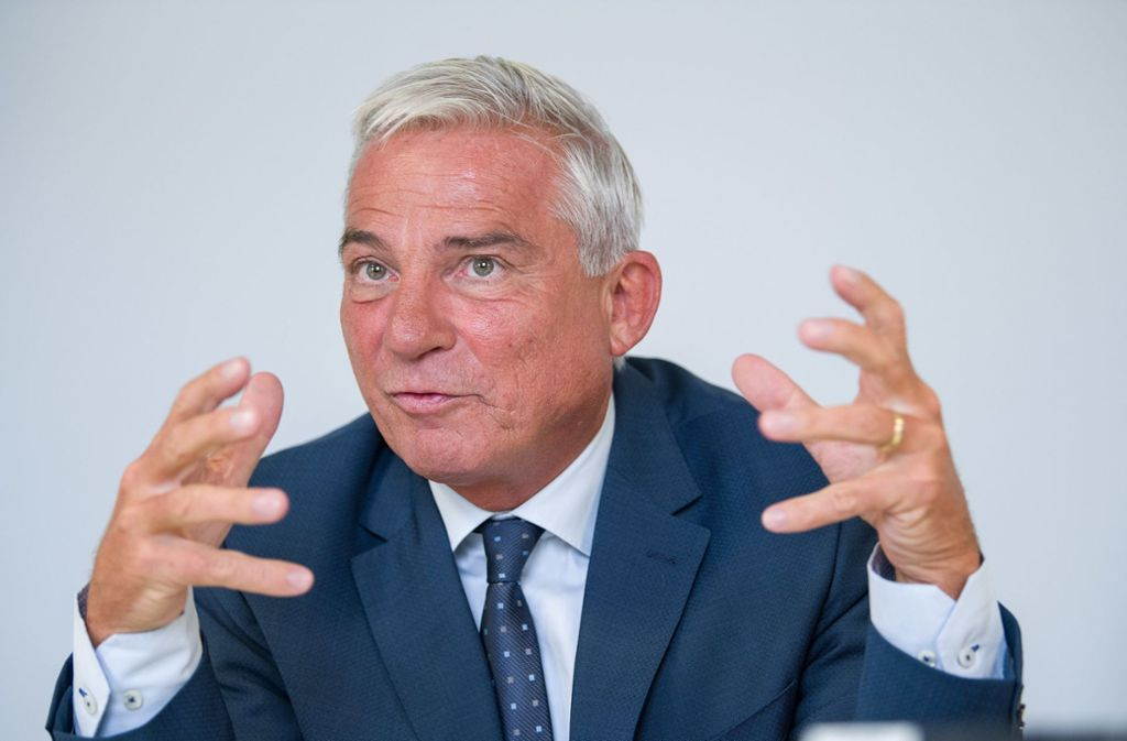 Baden-Württembergs Innenminister Thomas Strobl stärkt Verfassungsschutzpräsident Hans-Georg Maaßen den Rücken. Foto: dpa