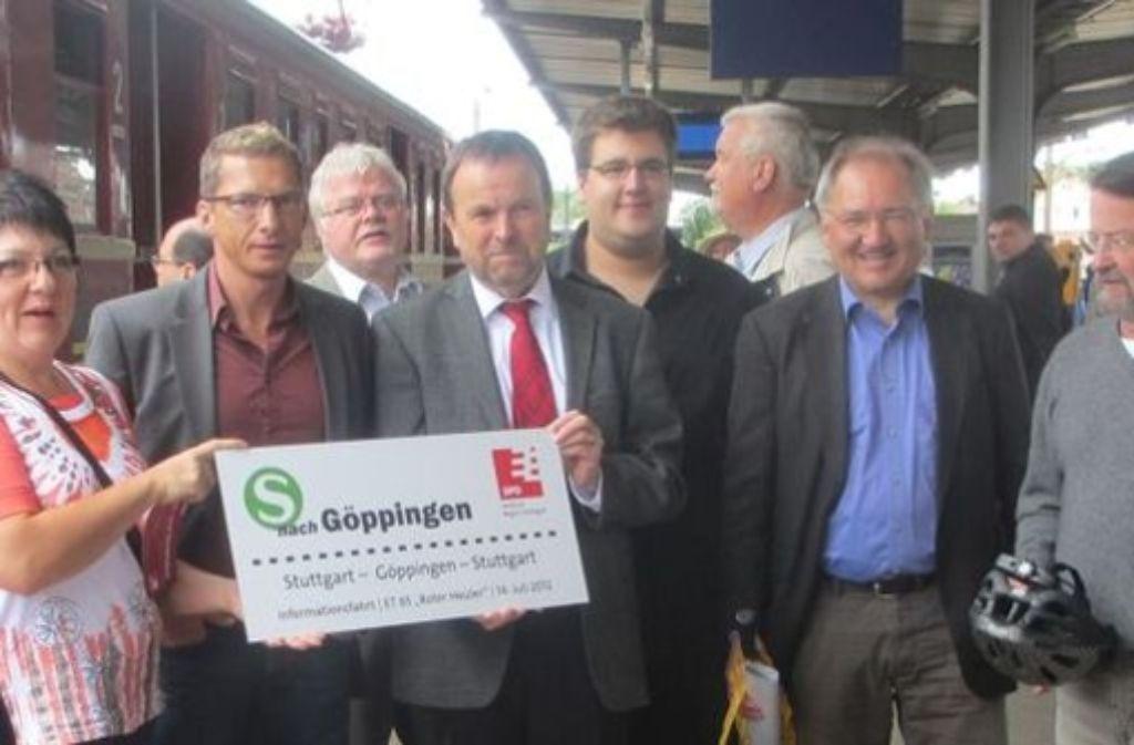Die SPD-Fraktion von Region und Kreistag hat mit dem Roten Heuler schon einmal eine Probe-S-Bahn-Fahrt nach Göppingen unternommen. Foto: SPD