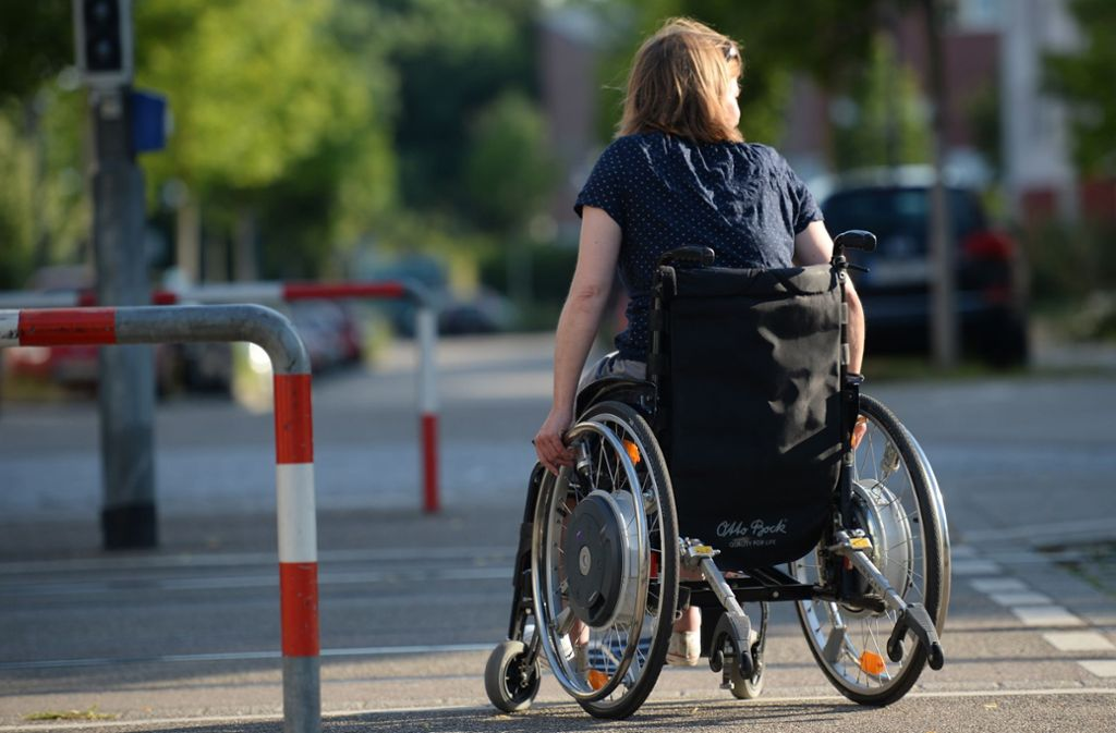 Für behinderte gibt es viele Hürden – in der Öffentlichkeit wie in der Arbeitswelt Foto: dpa