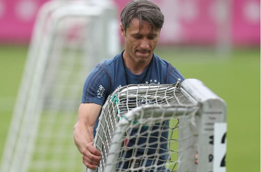 Niko Kovac am Fuß gepackt – Polizei nimmt Mann fest