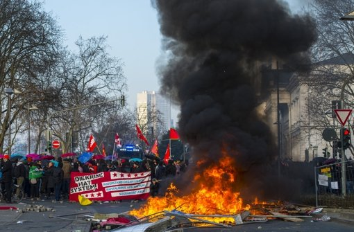 Blockupy-Bündnis kritisiert Gewalttaten