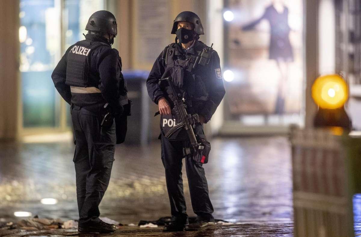 Die Zahl der Verletzten liegt mittlerweile bei 24 Personen (Archivbild). Foto: AP/Michael Probst