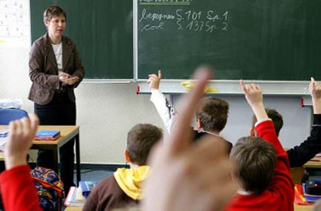 Bei gleichen Leistungen bewerten Lehrer einen Kevin schlechter als einen Maximilian. Foto: dpa