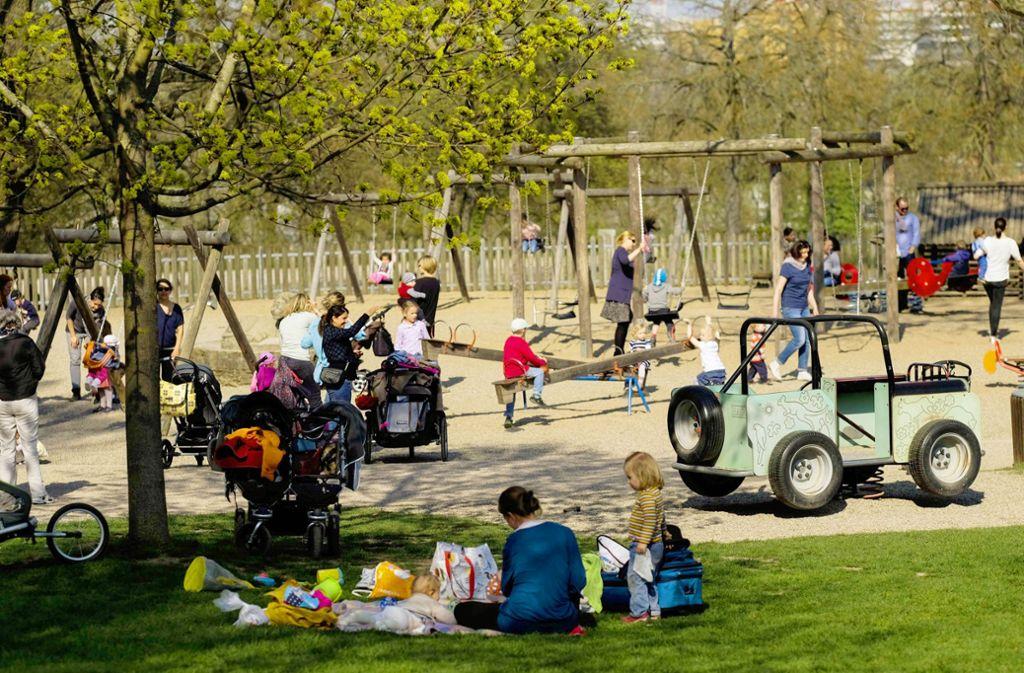 Stuttgarts Spielplätze, hier der im Killesbergpark, sollen künftig öfter gereinigt werden. Foto: Lichtgut/Max Kovalenko