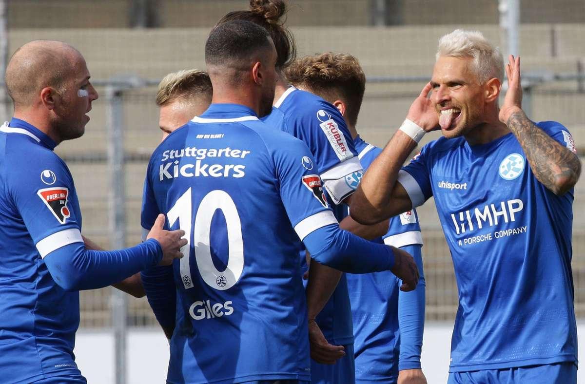 Markus Obernosterer (rechts) bleibt ein Blauer. Foto: Pressefoto Baumann/Hansjürgen Britsch
