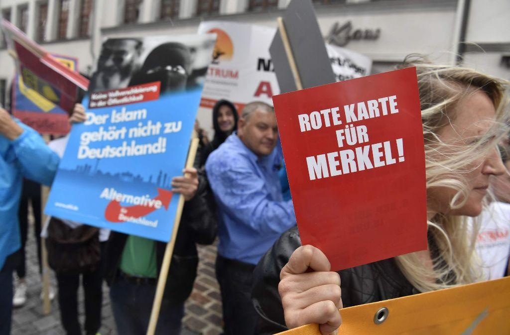 Organisierter Anti-Merkel-Protest von AfD und Bürgerbündnis in Torgau in Sachsen. Foto: AFP