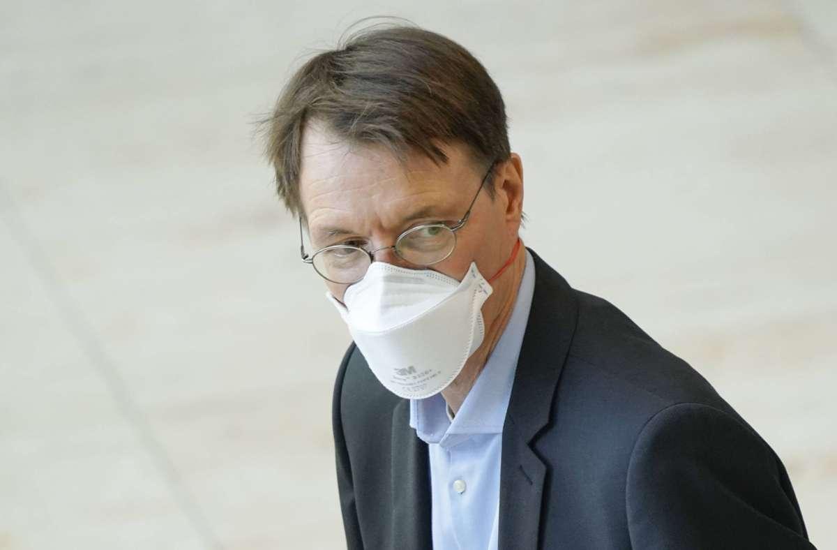 Karl Lauterbach schreibt den Curevac-Impfstoff ab. Foto: imago images/Political-Moments