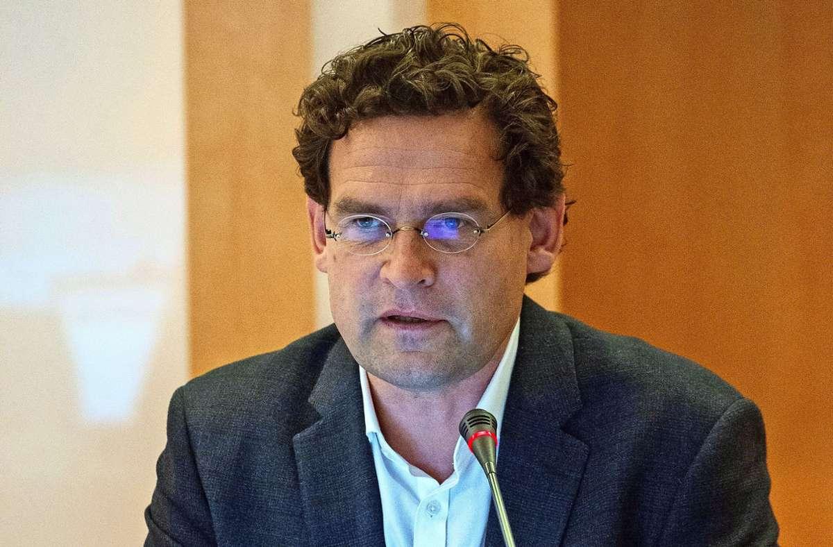 Jan Steffen Jürgensen, Leiter des Stuttgarter Klinikums, plädiert dafür, dass sich mehr Menschen gegen das Coronavirus impfen lassen. (Archivbild) Foto: Leif Piechowski/Leif-Hendrik Piechowski