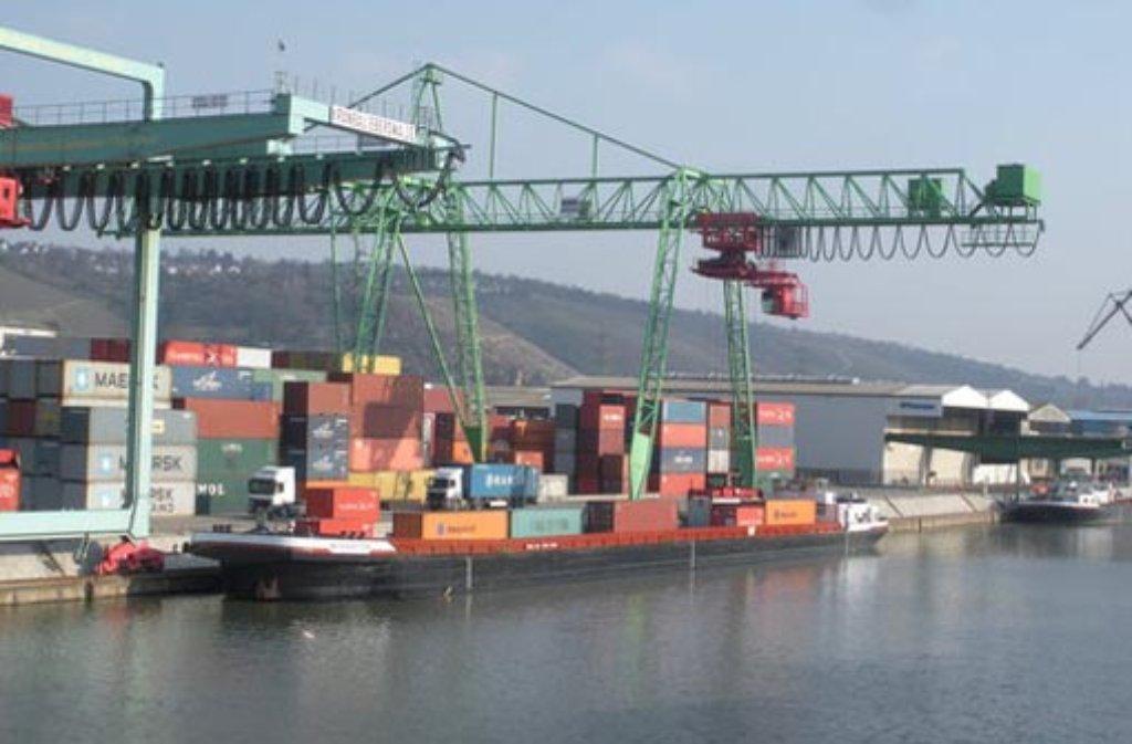 Der Stuttgarter Hafen beherbergt mehr als 50 Firmen - und jede Menge schöne Fotomotive. Foto: Leserfotograf remstal-knipser